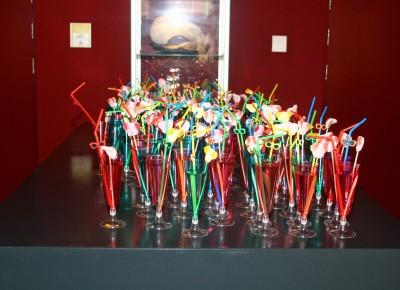 De kinderen werden feestelijk onthaald met een mooi versierd én gevuld champagneglas